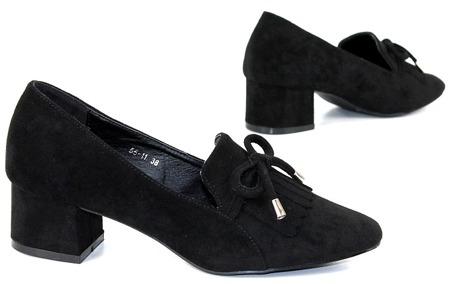 czarne czółenka na niskim obcasie zamszowe buty