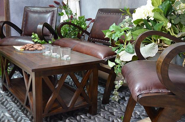 skórzany fotel z podłokietnikami styl angielski
