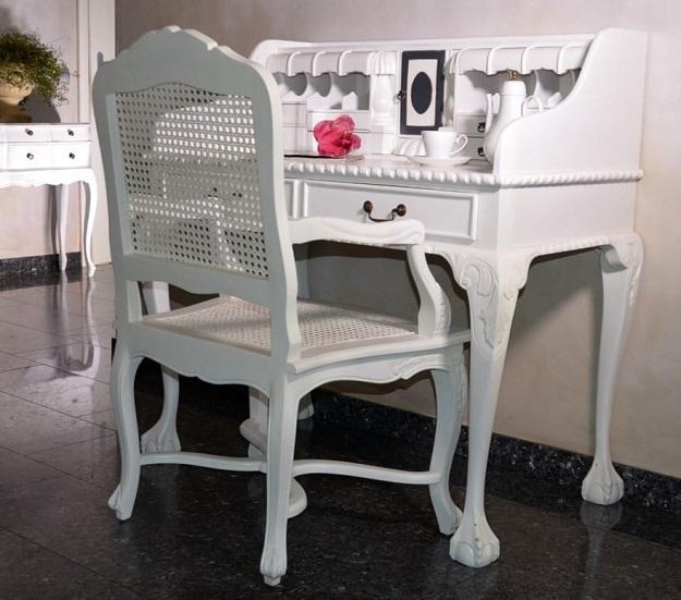 stylowy fotel krzesło drewniane ratanowe białe rzeźbione prowansalskie