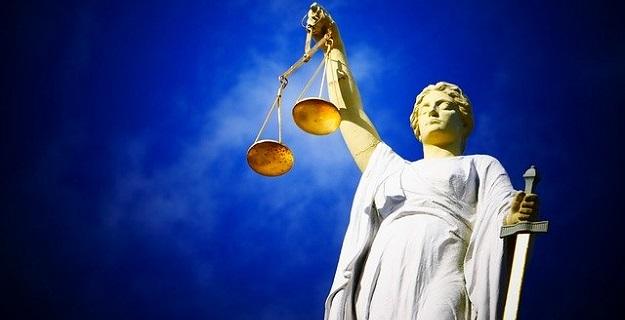 Potrzebujesz adwokata do rozwiązania sprawy karnej w Warszawie?