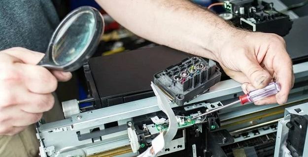 Serwis i naprawa drukarek - kiedy powinniśmy go odwiedzić?