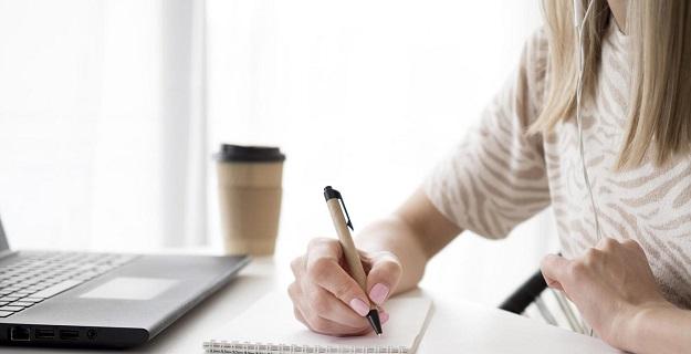 Business english - różnice, metody nauczania i efekty